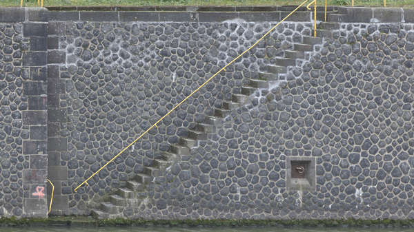 wall stone cobble canal harbor stairs