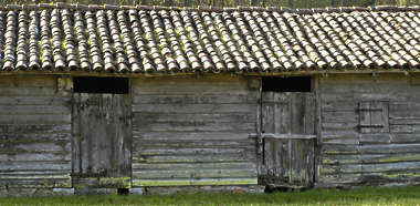 building facade barn wood planks