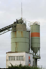 building industrial silo