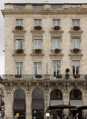 building historical facade france arches balcony neoclassical