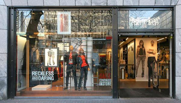 Shops0180 Free Background Texture Shop Store Building Facade Fashion Clothes