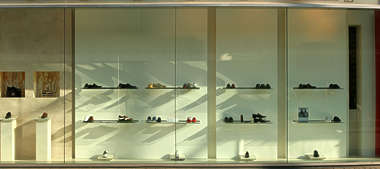 building facade shop store window shoes