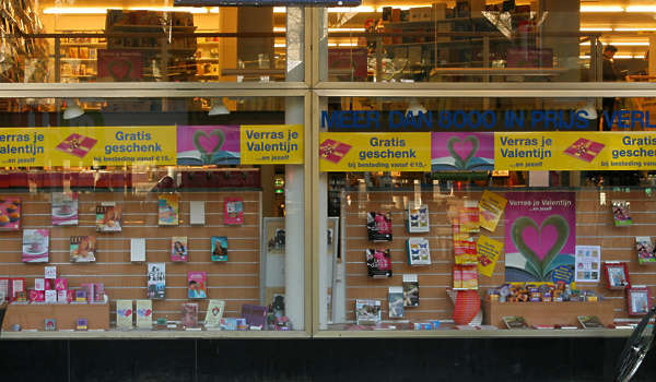 building facade shop store window bookstore books