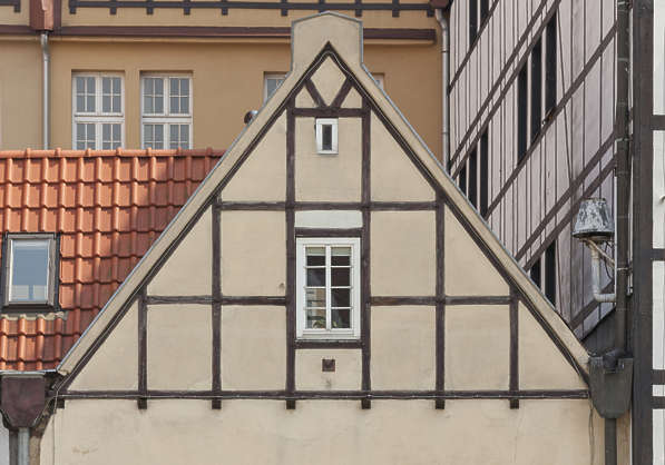 Tudor Facade buildingstudor0088 - free background texture - tudor facade brown