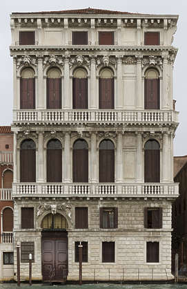 facade windows window building ornate columns arches arch italy venice