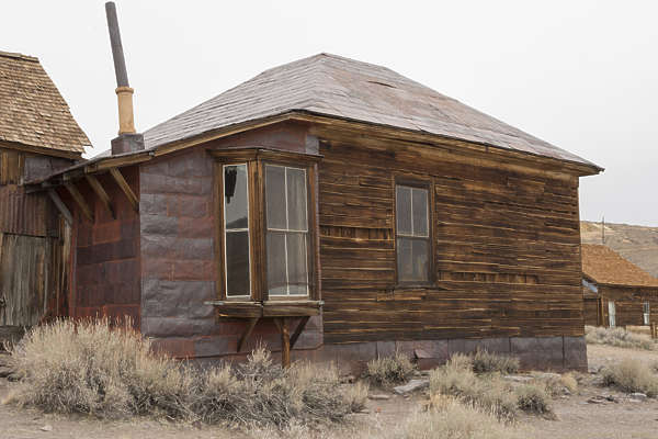 USA Bodie ghosttown ghost town old western goldrush desert arid wooden house building bodie_003