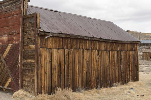 USA Bodie ghosttown ghost town old western goldrush desert arid fire station building facade bodie_015