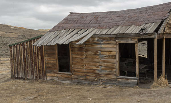 USA Bodie ghosttown ghost town old western goldrush desert arid barn building wooden shed bodie_018