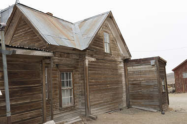 USA Bodie ghosttown ghost town old western goldrush desert arid building facade cabin house