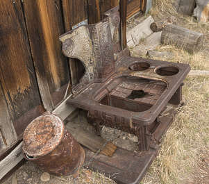 USA Bodie ghosttown ghost town old western goldrush desert arid stove metal