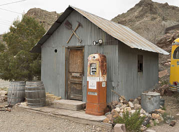 USA nelson ghost town ghosttown metal shed toolshed petrol old vintage gas station