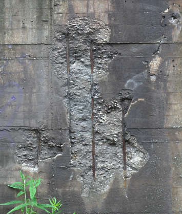 Concretebunkerdamaged0073 Free Background Texture