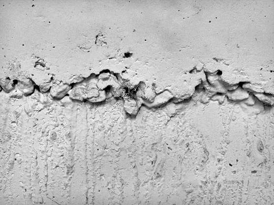 crack concrete seam