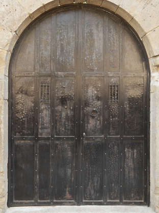 door wood wooden medieval arch