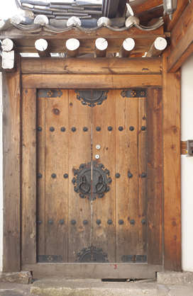 korea south hanok asia asian door double medieval old wooden