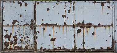 door double metal big rusted