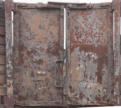 door double rusted train