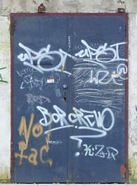 door double graffiti