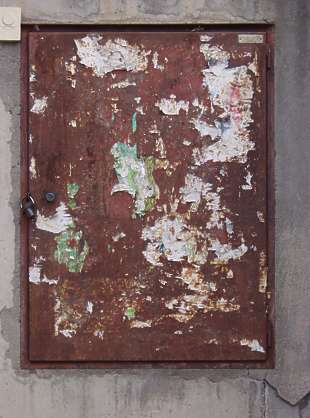 door rust dirty metal