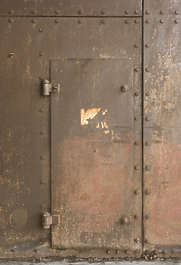 door metal rust bunker single