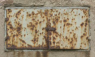 door small metal double rusted