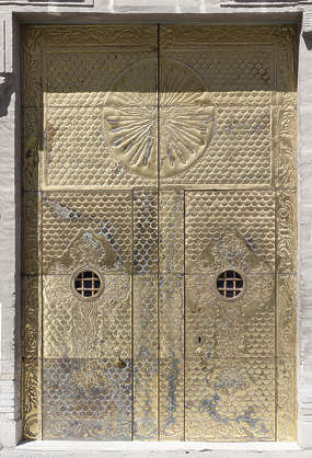 door double golden medieval spain brass ornate