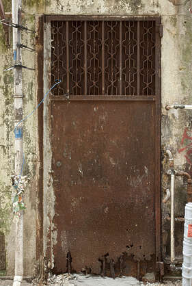 door single metal old rusted hong kong hongkong