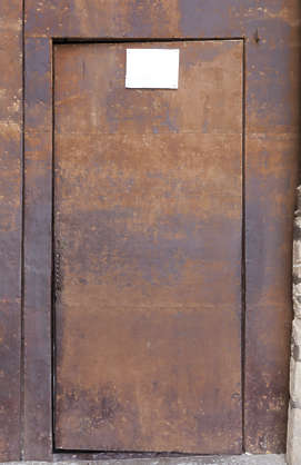 door single metal rusted spain
