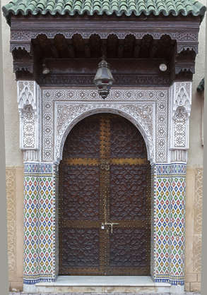 door doors wooden ornate moorish arch morocco