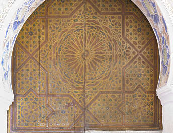 morocco door arch wood medieval old moorish location:medersa-meknes