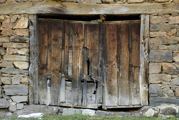 door garage barn old wood planks
