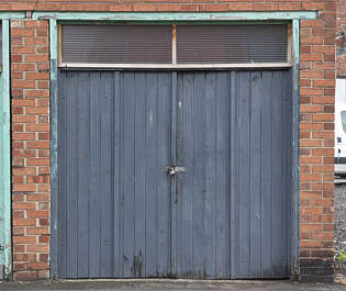 door double wooden garage UK