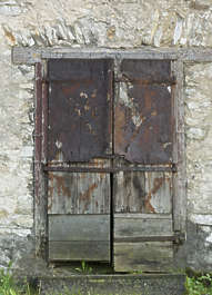 door double wooden derelict old