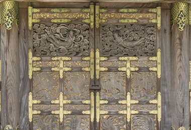 ornament temple shrine japan door ornate relief gold gilded japanese