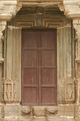 india door ornate wood old