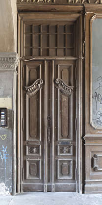 door double wooden ornate