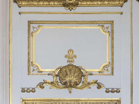 door double arch ornate ornament gold gilded palace
