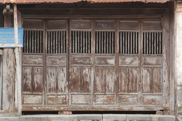door wood panels bare old worn asian asia china