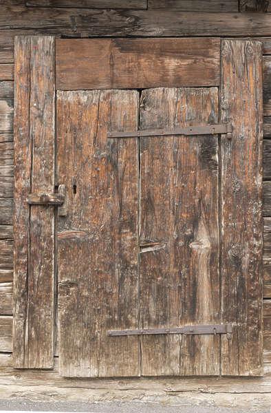 Doorswoodsingleold Free Background Texture Door Wood Old Worn Planks Medieval Barn Brown