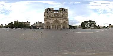 Panorama HDR HDRi lightprobe panoramic high dynamic range spherical 360 outdoor natural light clouded Notre Dame church square Paris France