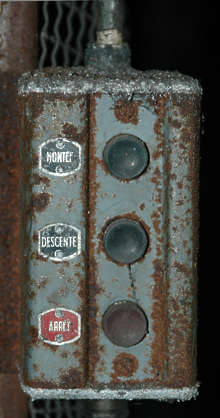 button machine old rust dirty