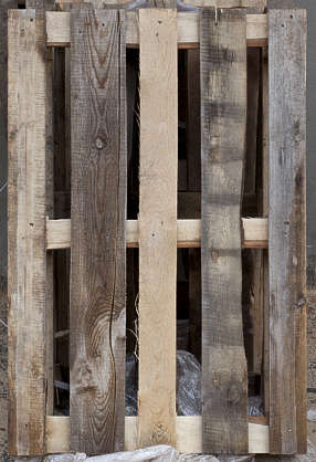 wood pallet planks cargo