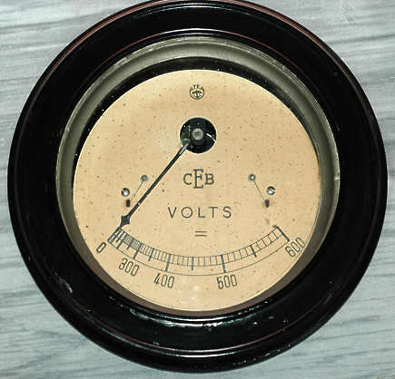 meter voltage volts dial gauge