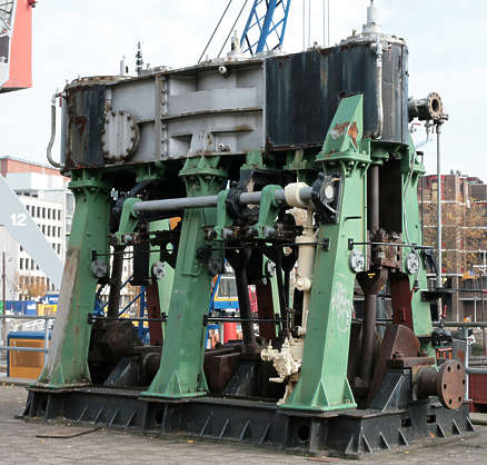 engine machine heavy large diesel