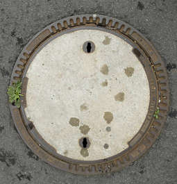 sewer lid round big