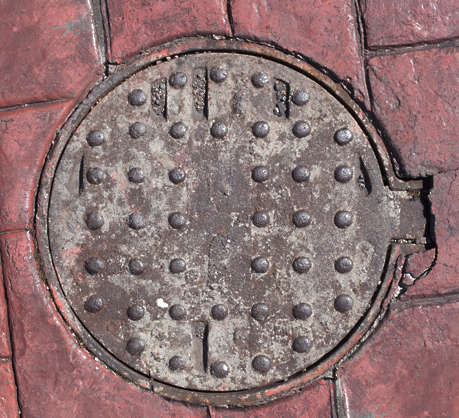 sewer lid round small metal
