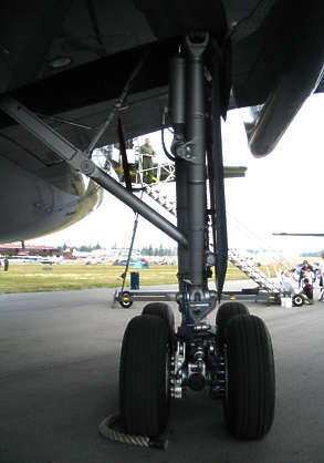 aircraft landing gear wheel airplane