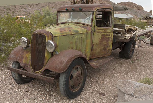 USA nelson ghost town ghosttown bus old 40s american vehicle car wreck rusted classic vintage