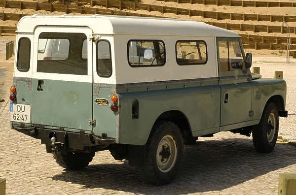 vehicle landrover jeep 4x4 all terrain