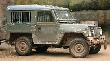 vehicle land rover jeep